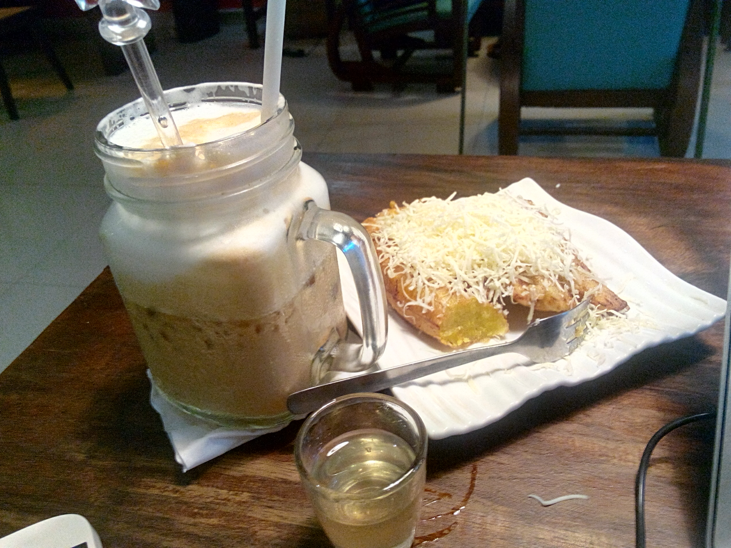 Coffee Latte dan Pisang Keju, Ranin