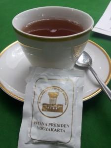 minum teh ala tamu negara