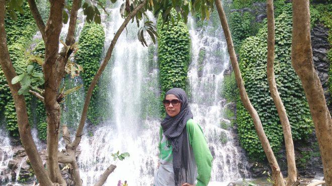 Menantang alam di Curug Maung