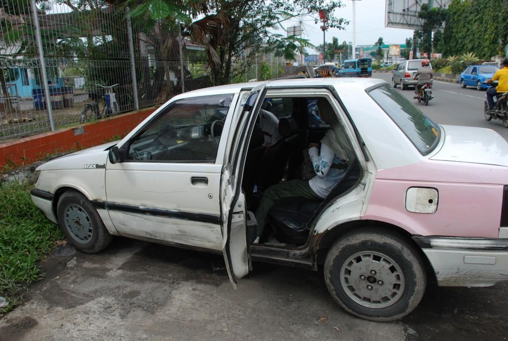 taksi apa besi tua ?